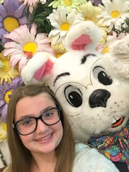 easter-bunny-photos-selfie