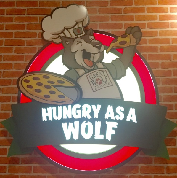 great-wolf-lodge-dining-hungry-as-a-wolf