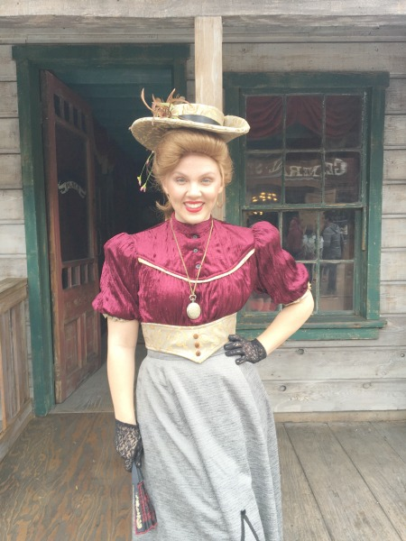 knotts-75th-ghost-town-celebration-saloon
