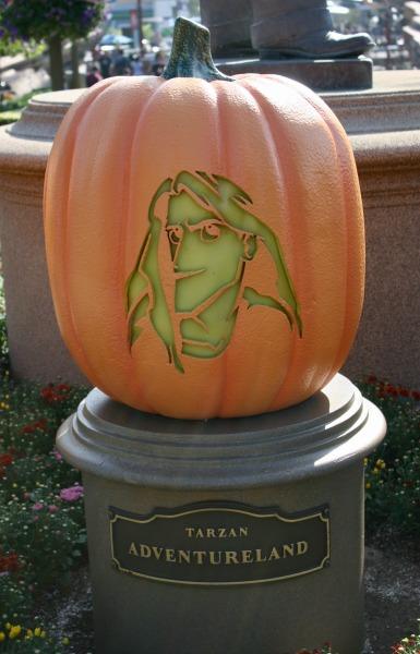 halloween-time-at-disneyland-resort-tarzan-pumpkin