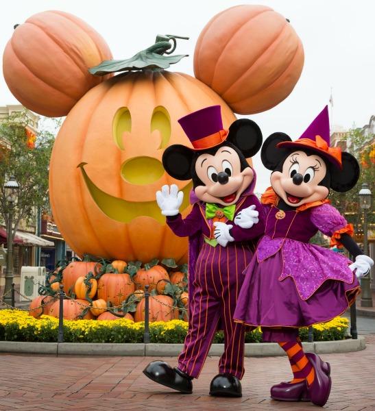 mickeys-halloween-party-mickey-and-minnie