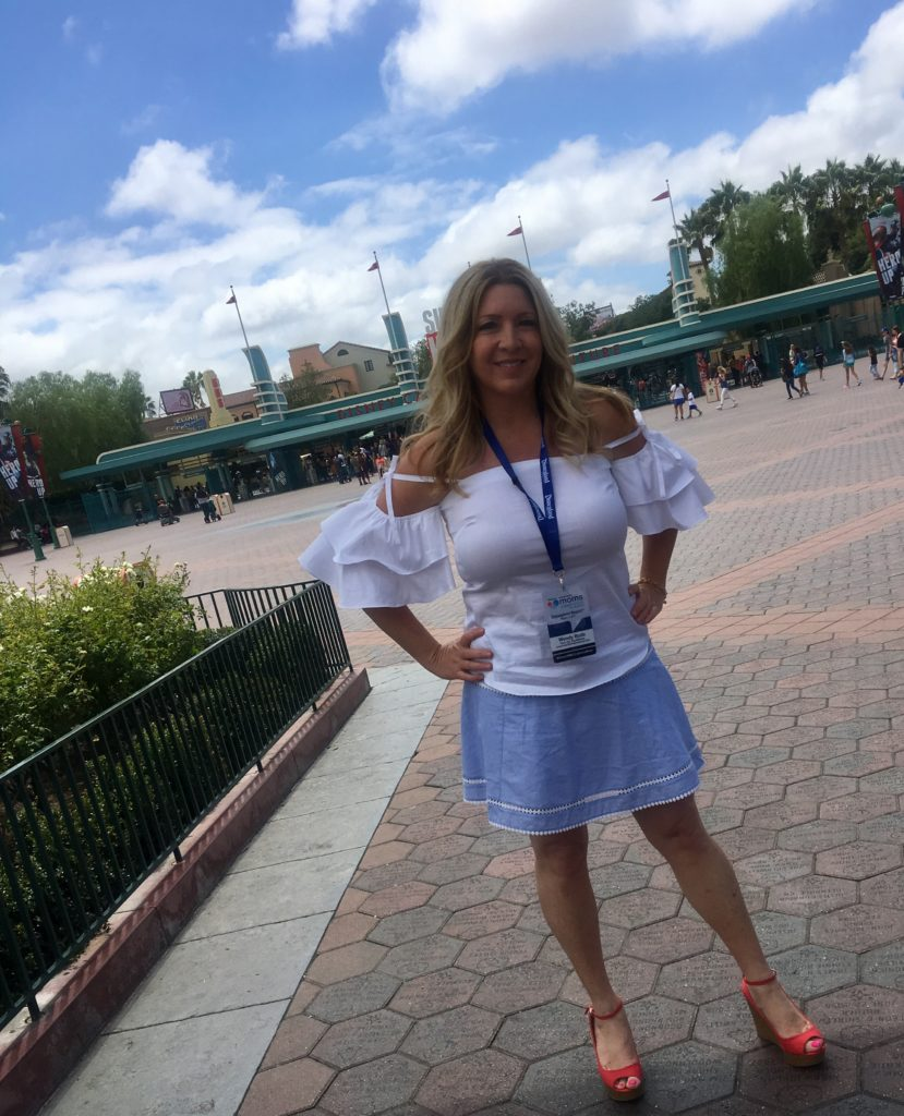 disney-social-media-moms-celebration-on-the-road-what-i-wore