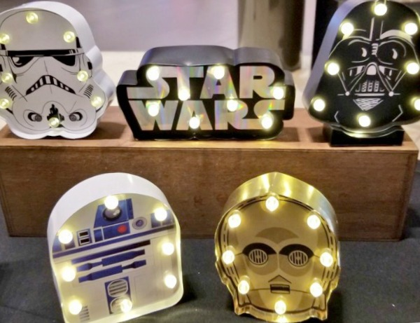 brea-mall-holiday-gift-guide-typo-1