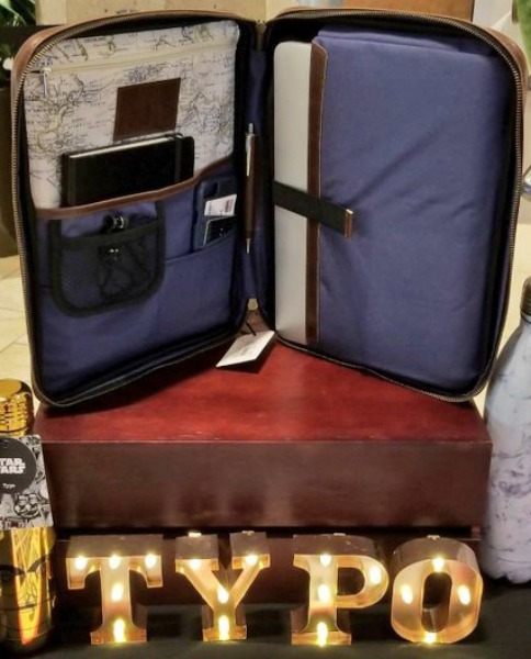 brea-mall-holiday-gift-guide-typo-2