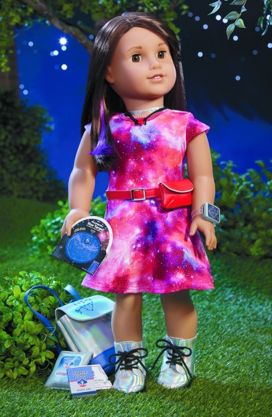 american-girl-doll-luciana-with-accessories