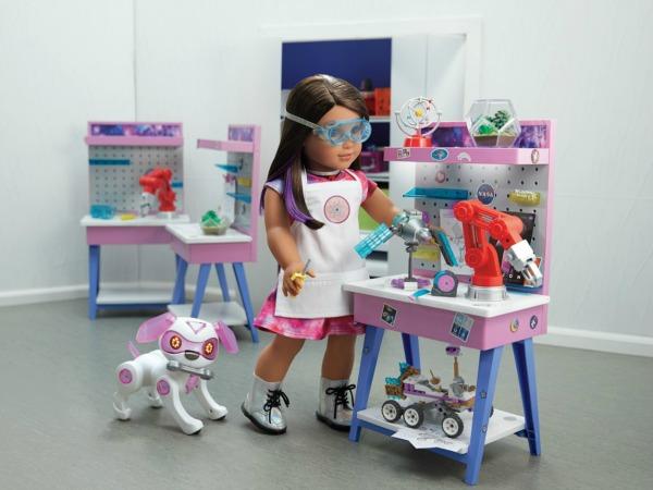 american-girl-luciana-maker-station