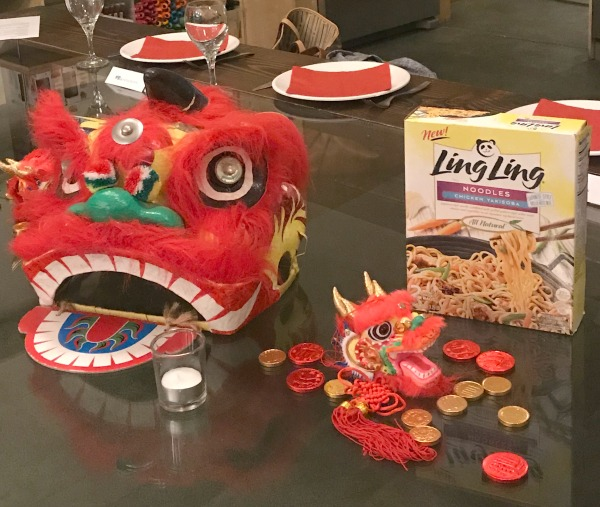 ling-ling-foods-table-decor