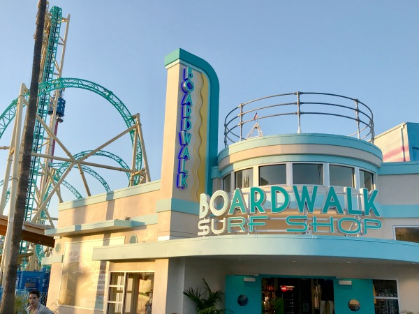knotts-hangtime-boardwalk-surf-shop